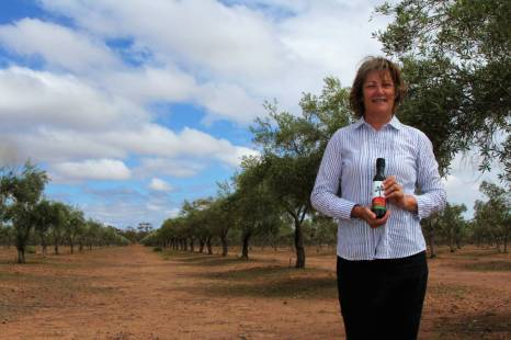 Karen McLennan presents an International Award Winning Oil